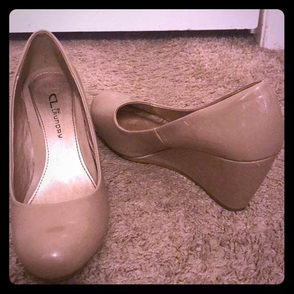 CL by Laundry Shoes - Tan 3 inch wedges